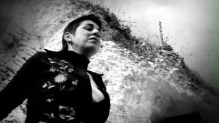 Amparanoia - La Vida Te Da - Videoclip Oficial YouTube Videos