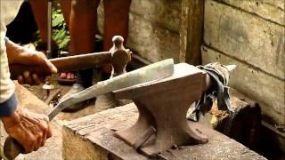 Video Traditional furnace (Parang) of the Bidayuh in Semban, Sarawak download MP3, 3GP, MP4, WEBM, AVI, FLV April 2018