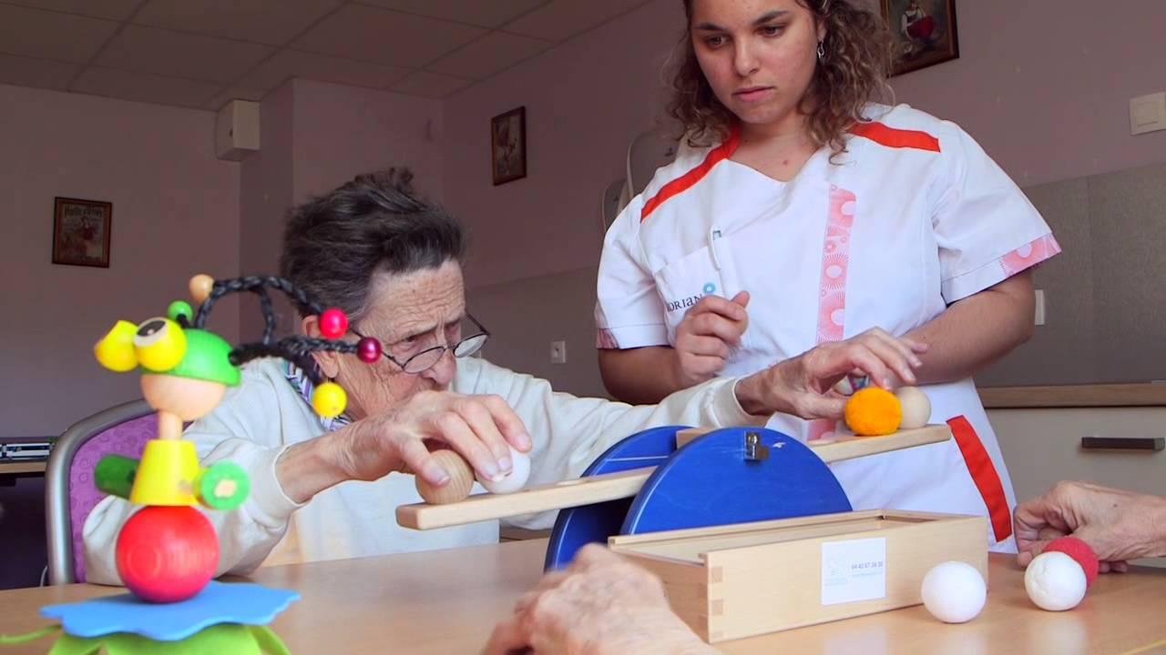 Très LUDIM : Jeu et maladie d'Alzheimer - YouTube GO64