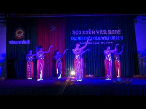 Múa Sắc Hoa - SP Mầm Non - ĐH Hồng Đức - Chào mừng 20-11-2013
