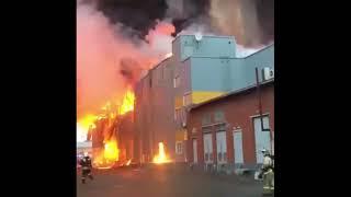Смотреть видео Пожар в ленте СПб. Видео очевидцев 2018 онлайн