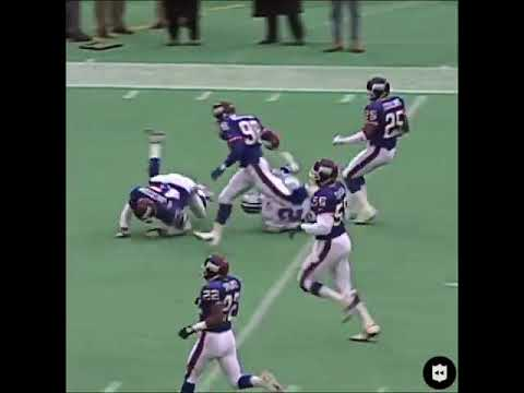 January 2nd 1994 (1993 Superbowl season) Emmitt Smith plays 2nd half with separated shoulder.