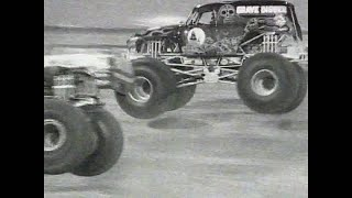 Grave Digger vs King Krunch Monster Jam World Finals Racing Quarter Finals 2000