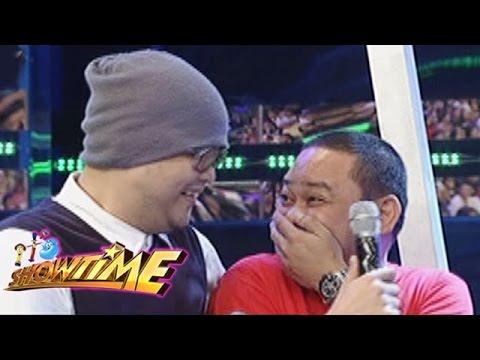 It's Showtime: Badji and Kuya Jobert joke around with the TrabaHula contestants