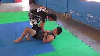 Como derribara tu oponente - derribe y golpeo al ras de lona