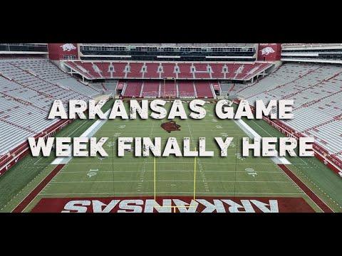 Live updates: Arkansas Razorbacks football opens 2021 season vs ...
