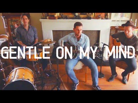 Gentle On My Mind - Glen Campbell (Antonio Larosa live cover)