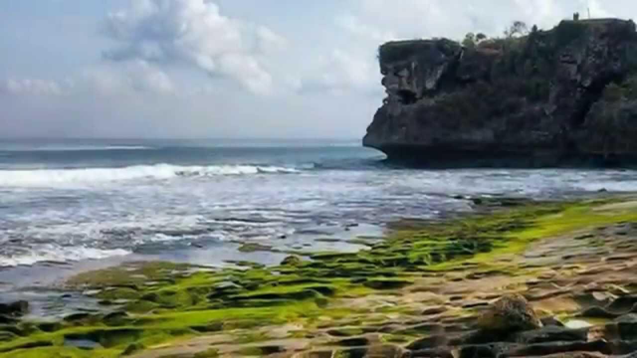 Amazing Balangan Beach, Bali Indonesia | Pantai Balangan ...