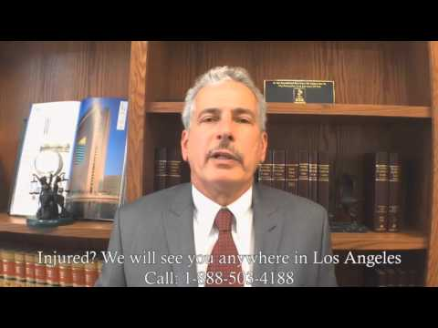 Auto accident lawyer reviews side swipe car crashes Studio City, Valley Glen, Valley Village