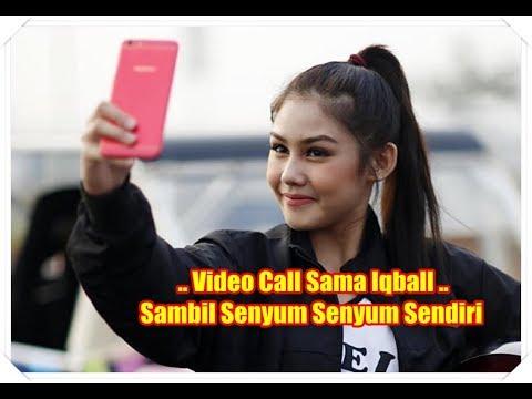 Melepas Rasa Rindu, Vanesha Prescilla Video Call Iqbaal Ramadhan Sambil Senyum Senyum Sendiri
