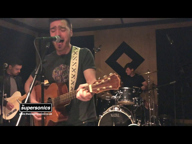 The Supersonics - The Importance of Being Idle (Studio Session)