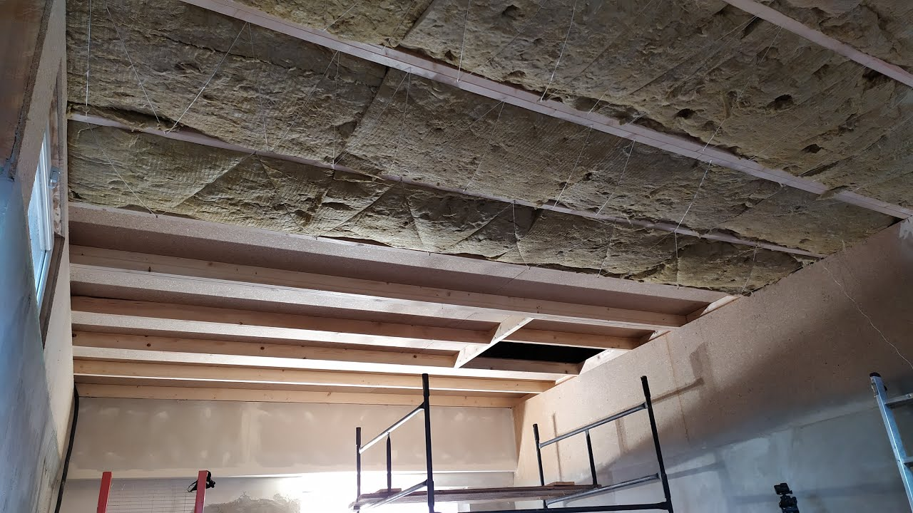 Shed ⇒ Workshop. Part 7 - Completely new ceiling