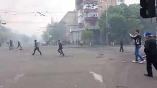 Бмп танки таранят барикады Мариуполь Flying Tank BMP Mariupol Ukraine