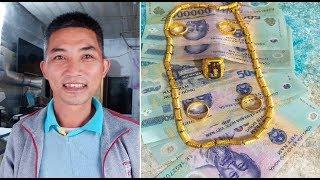 Nhặt được túi đầy tiền và vàng, thầy giáo thuê xe đi 80km để trả lại