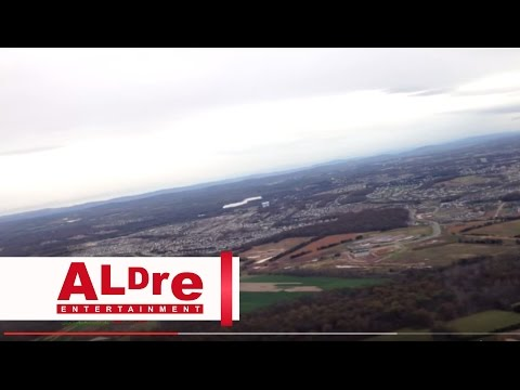 Airplane Getting in the air from airport to Saint Louis [HD]