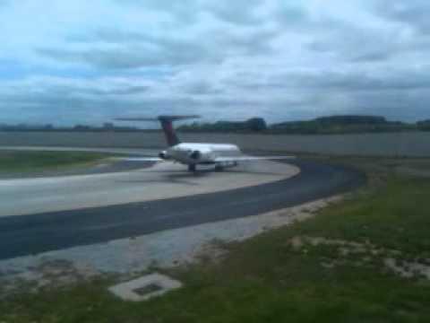 Taxiway Victor at Hartsfield-Jackson Atlanta International Airport
