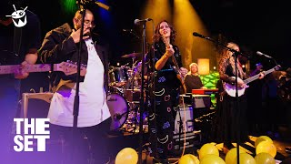 Middle Kids, Kasey Chambers, Adrian Eagle Cover Coldplay 'Yellow' Live On The Set