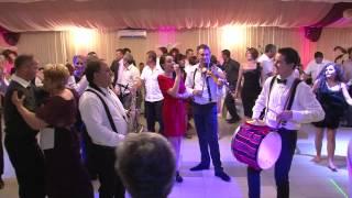 Formatia Fiesta din Bacau - Sarbe moldovenesti 2012 (Clip 1)