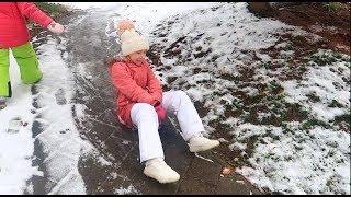 СНЕЕЕЕГ / Играем на улице / ПОДГОТОВКА к ДНЮ РОЖДЕНИЯ Каролины