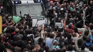 Столкновения с полицией в Каталонии