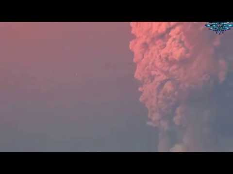 UFO Caught watching Calbuco Volcano Eruption in Chile