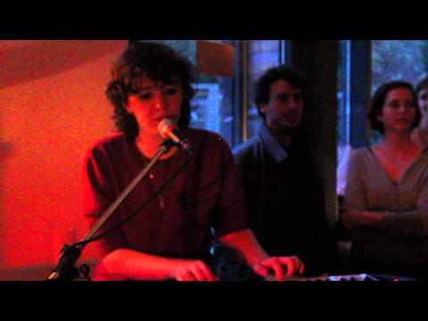 Schnipo Schranke - Pisse (live)