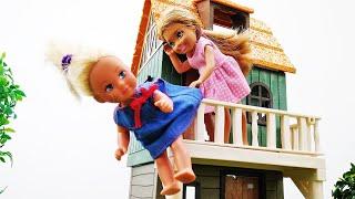 Barbie baby doll videos - Barbie dolls find a treasure