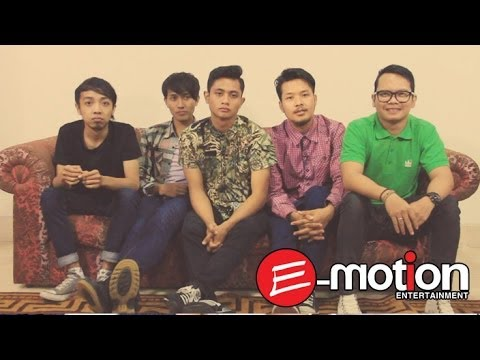Free Download Abri - Menangis Sambil Malu (behind The Story) Mp3 dan Mp4