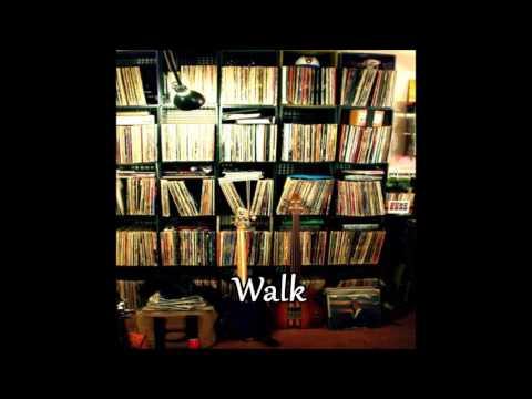 Headnodic feat. Moe Pope & Lunar Heights - Walk