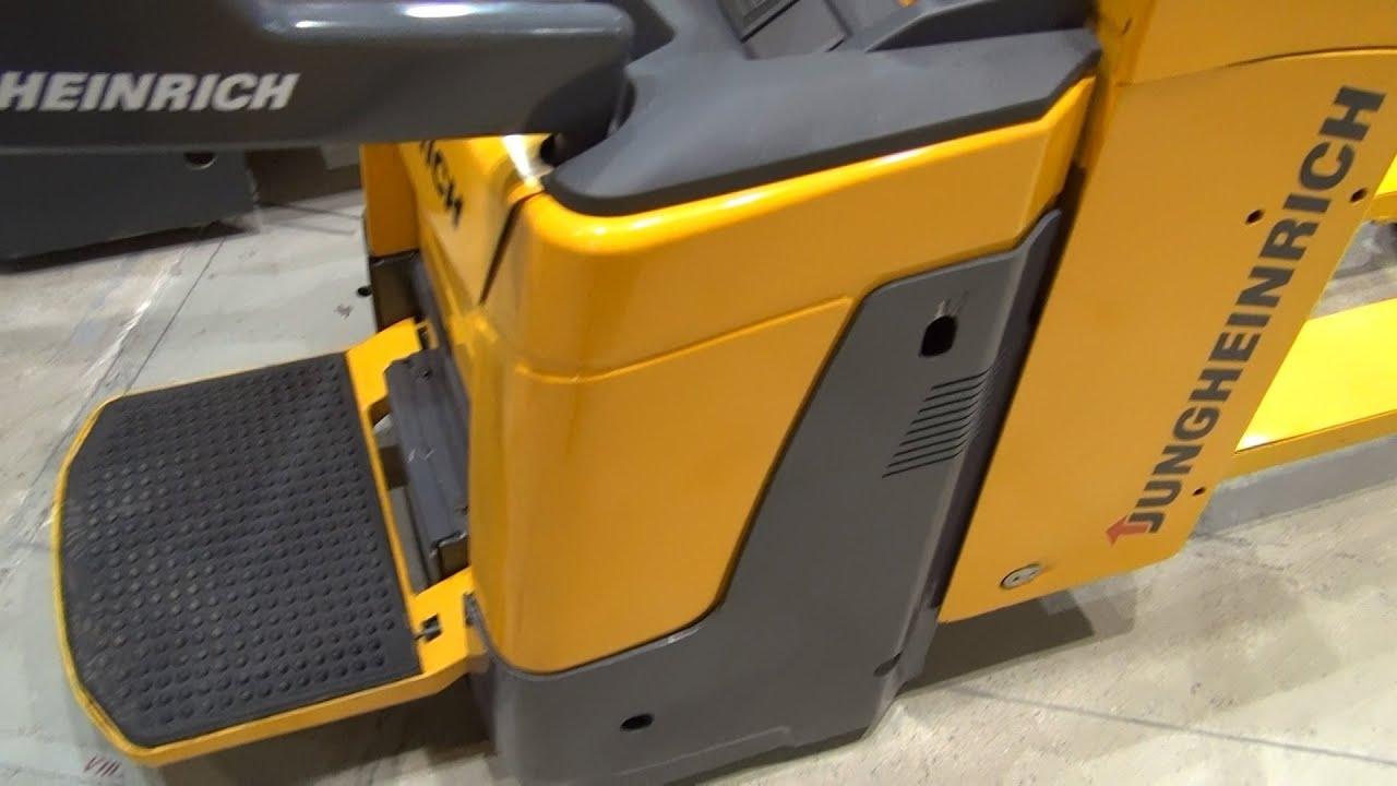 jungheinrich ere 225 electric powered pallet truck in 3d. Black Bedroom Furniture Sets. Home Design Ideas