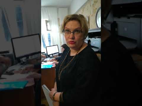 Лживая, весёлая при этом наглая начальница ФМС центрального района Тулы