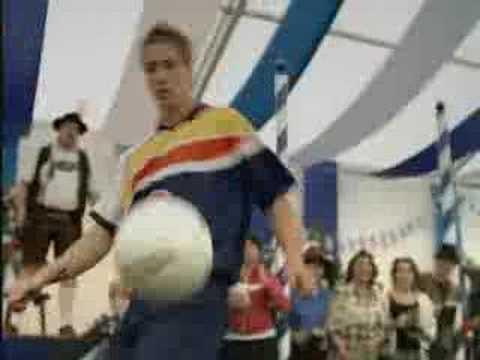 Pepsi Alemania Commercial whit Ronaldinho & David Beckham