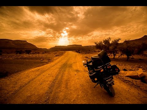 Long way to Chinguetti : Morocco and Mauritania on a Honda Africa Twin XRV 750 Motorcycle
