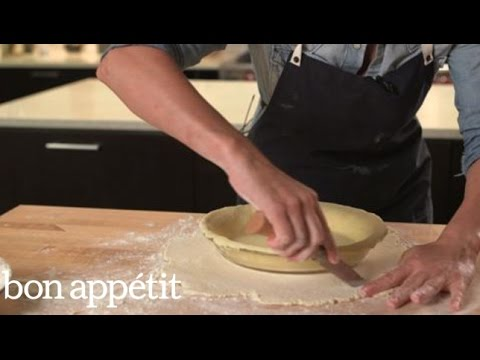 How To Crimp and Decorate Pie Crust - Thanksgiving Prep Tips