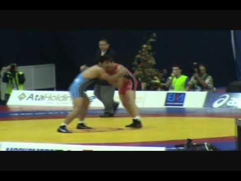 2010 WORLDS: Arfan Amiri (IRI) dec. J.D. Bergman (USA), 96 kg FS