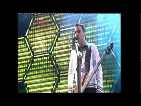 Muse - Supermassive Black Hole live @T in the Park