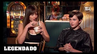 [LEGENDADO] Dakota Johnson e Cailee Spaeny - HeyUGuys