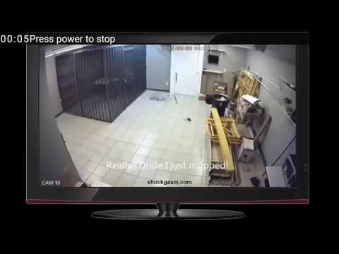 Pencuri bodoh terkurung selepas mencuri