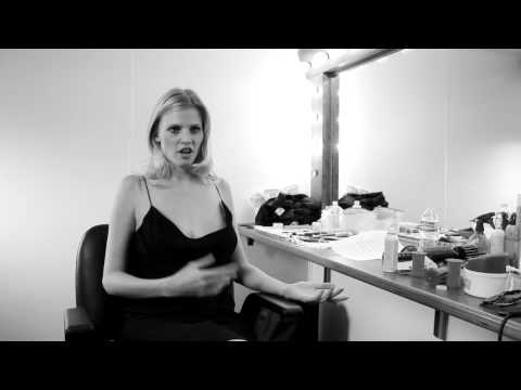 Lara Stone  MercedesBenz Fashion Week HerbstWinter 2012 Berlin  Englisch