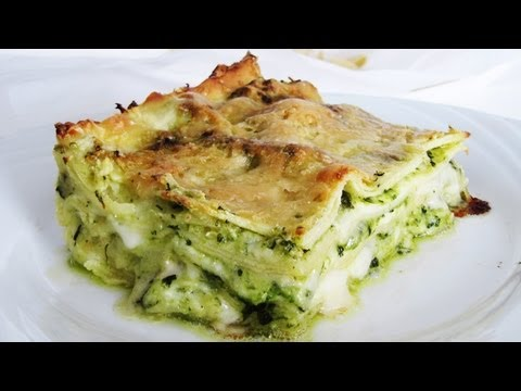 how-to-make-pesto-lasagne-(vegetarian-lasagna-with-pesto-sauce)