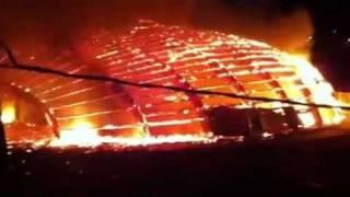 piscina de alguazas en llamas