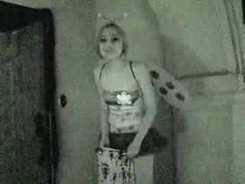 Veronica Rodriguez dances for her fansKaynak: YouTube · Süre: 3 dakika51 saniye
