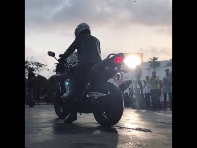 Stunts for video Ad shoot Ebdullah Khan's burnout revenge on Bandit 1250s