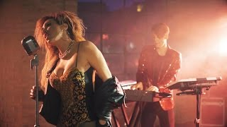Baixar Albert Marzinotto, Miss Julia - I Can't Deny (Official Video)