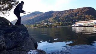 Супер рыбалка в Норвегии! Вот это клев!(Сходил я с другом Игорем на рыбалку. Это была просто супер рыбалка! Рыбалка в Норвегии это всегда супер...., 2016-10-16T14:28:36.000Z)