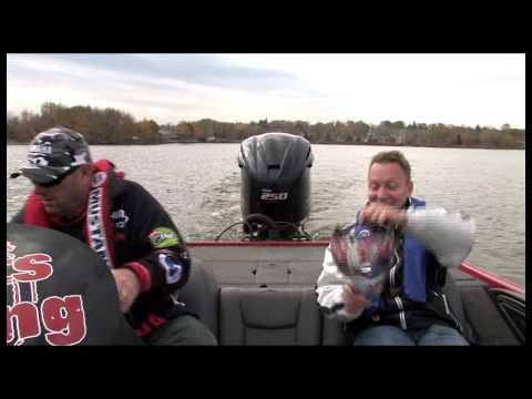 2010 Yamaha VMAX SHO: Mercer gets his socks blown off! - YouTube