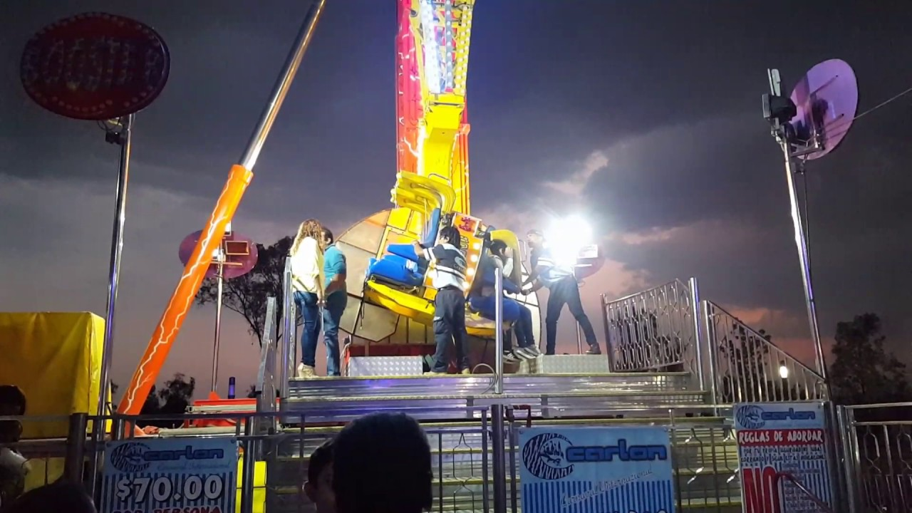 Juego Mecanico Booster Feria De Puebla 2017 Youtube