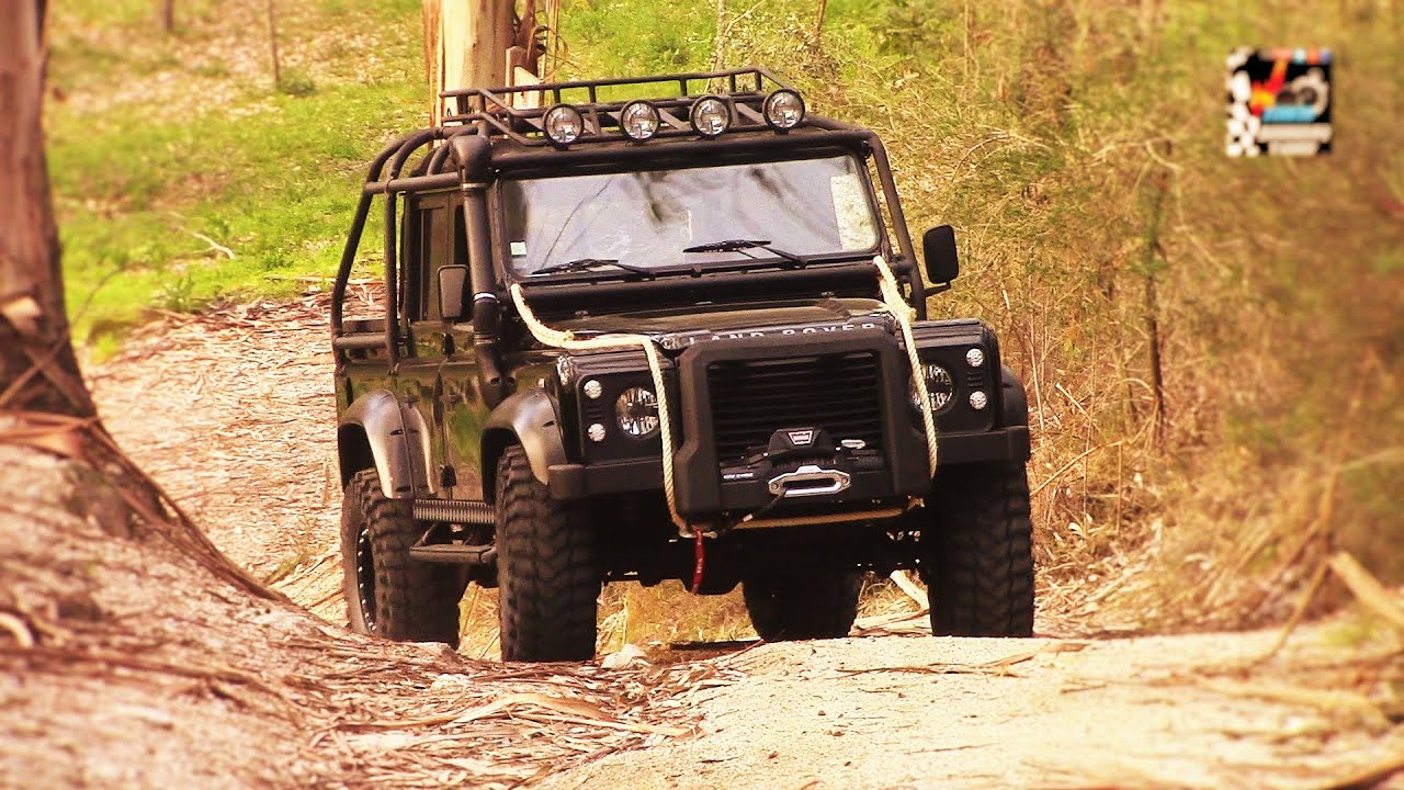 Land Rover 007 Spectre Defender (200 hp Power Diesel) Full ...