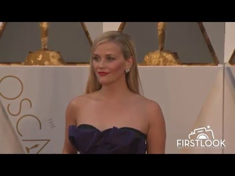 Reese Witherspoon arrives at the 2016 Oscars in Hollywood