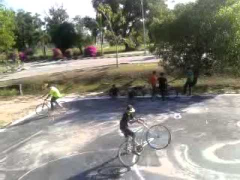 Fixie Ride to Penanjong Garrision (Brunei Darussalam)
